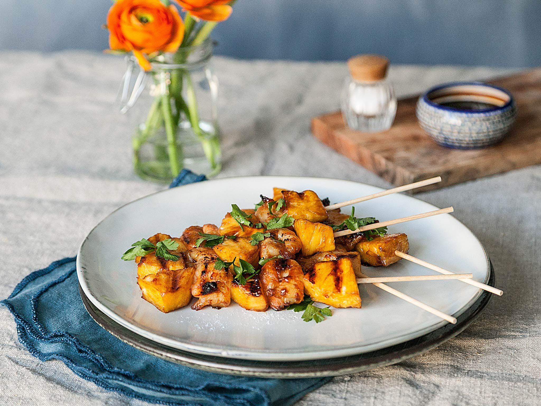 ananas garnelen spie e mit honig knoblauch glasur rezept vegetarische gerichte pinterest. Black Bedroom Furniture Sets. Home Design Ideas