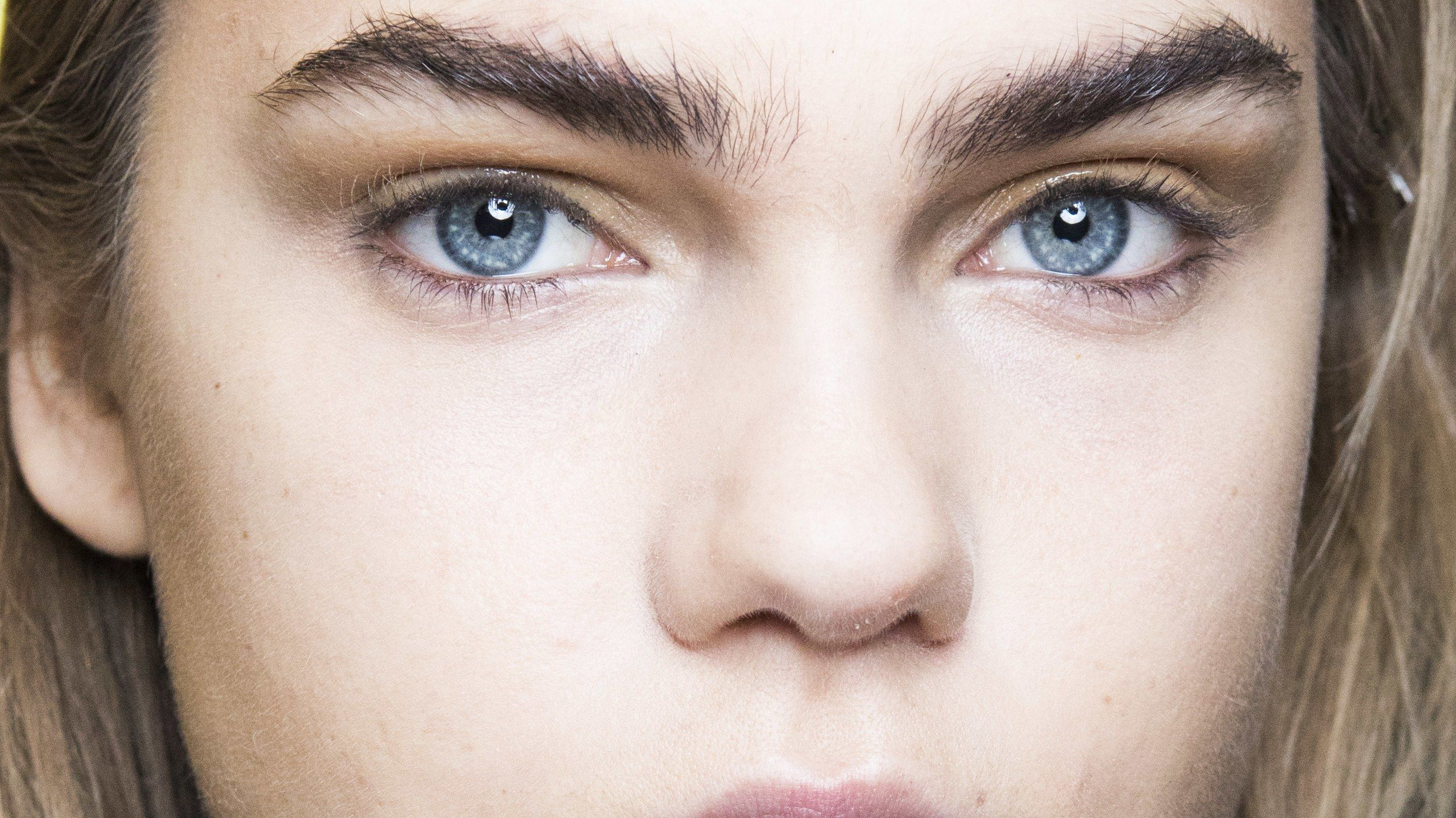 Here's How to Regrow Your Eyebrows, According to Experts ...