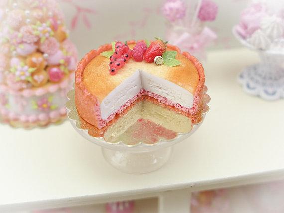 Biscuit Rose de Reims Pink Biscuit Cheesecake por ParisMiniatures