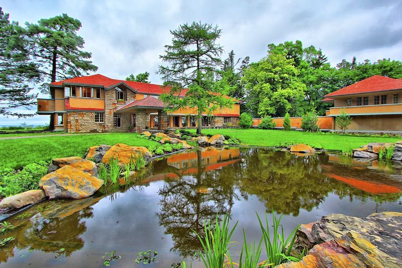 Graycliff: Secret Frank Lloyd Wright house on the Lake