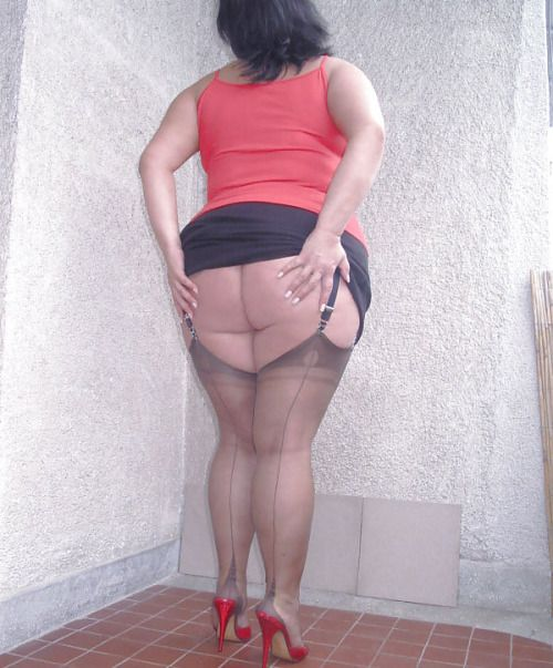 Big mature fat booty, amateur nude rocker chicks