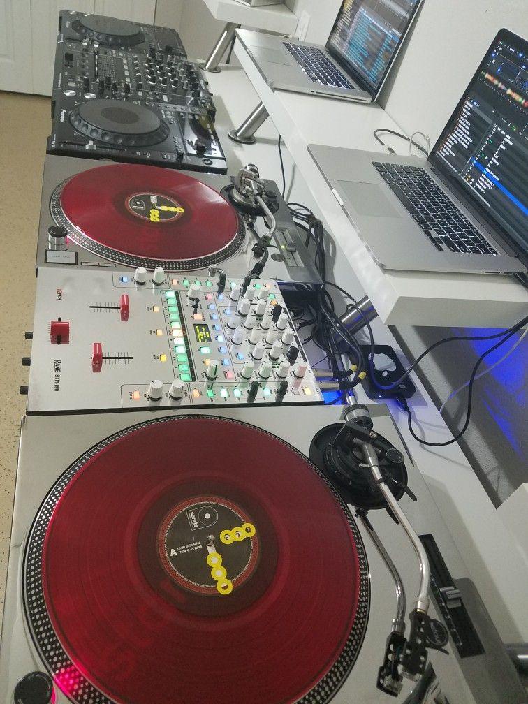 My Home And Club set up Technics Sl 1210 with Rane 62. Pioneer DJM 900 NX with Cdjs 850