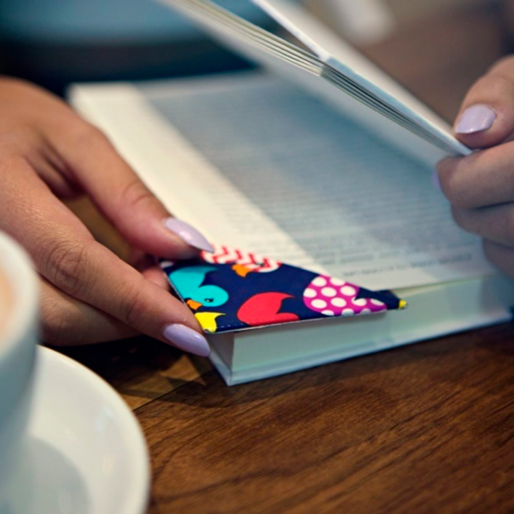 How To Duck Tape Corner Bookmark Duct Tape Crafts Duck Tape