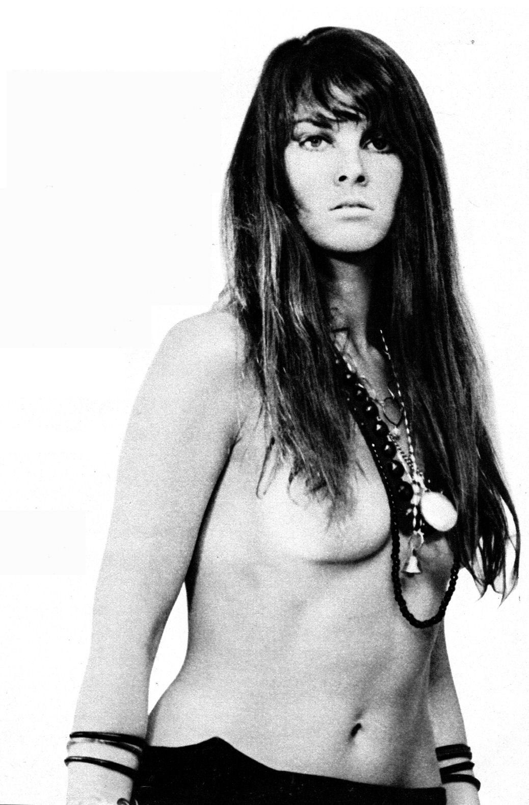 Caroline munro topless bikini — pic 12
