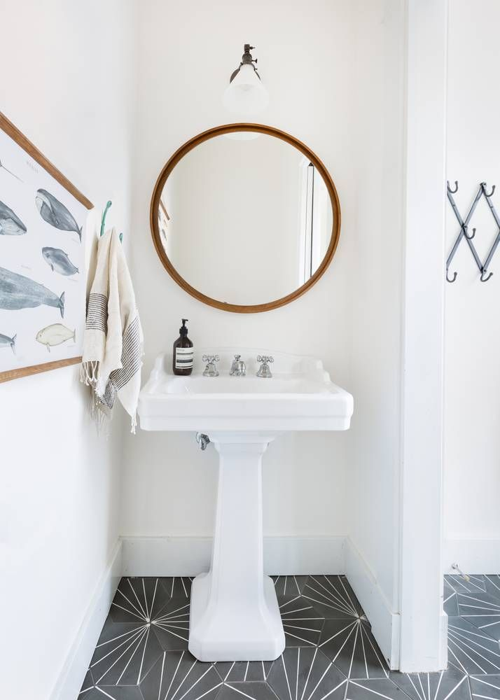 Simple Bathroom Design With Standout Tile