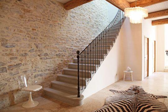 mur en pierre derriere l 39 escalier staircase pinterest puret laure et rendez vous. Black Bedroom Furniture Sets. Home Design Ideas