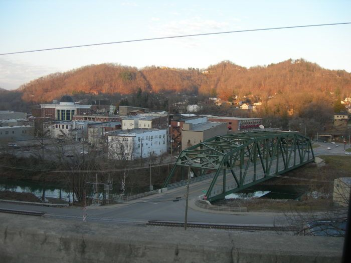 Here Are The 11 Most Dangerous Places In Kentucky After Dark Hazard Kentucky After Dark Kentucky