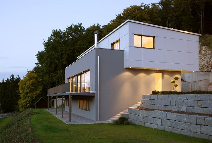 Design Fertighaus Okologisch Gedammt Haus Hanglage Haus Architektur Haus