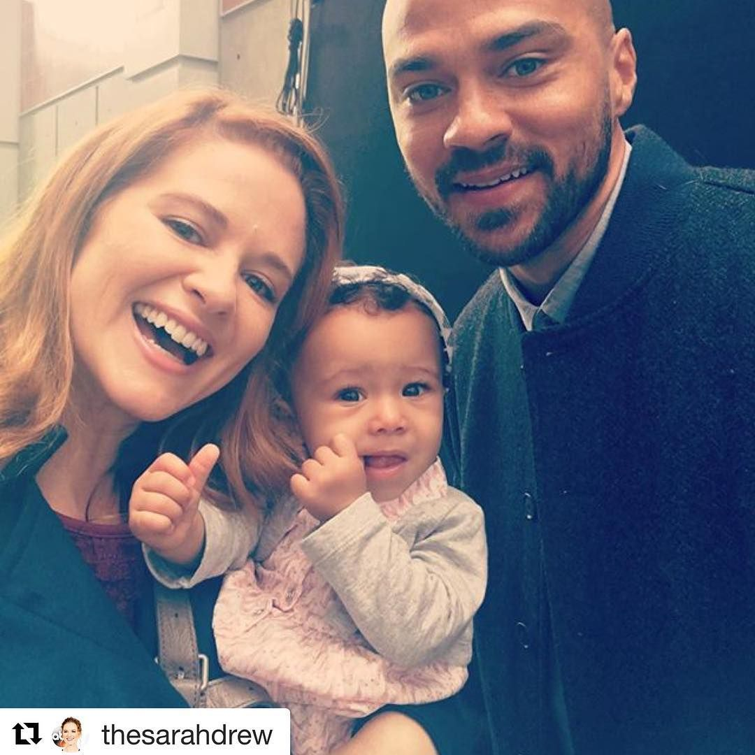 This Picture Of April Jackson With Little Harriet Kepner Avery Makes Us Happy When Skies Aren T Grey For Like An Greys Anatomy April Greys Anatomy Sarah Drew