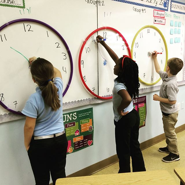 Giant clock from hula hoops | Math | Pinterest | Escuela, Reloj para ...