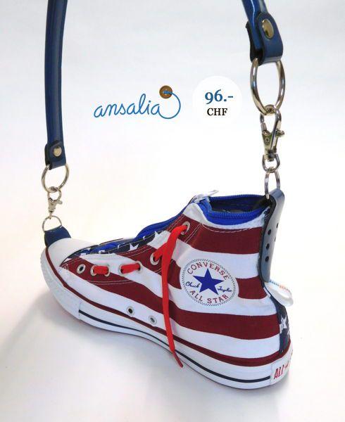 Ein Original Converse-Schuh als coole Damentasche in den Farben der ...