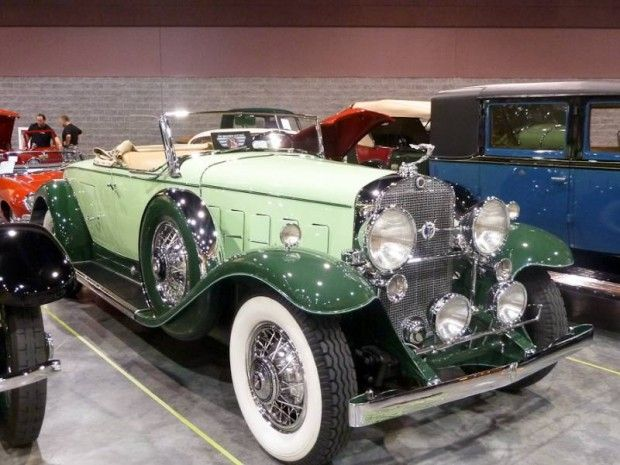 1931 Cadillac 370-A V-12 Roadster, Body by Fleetwood