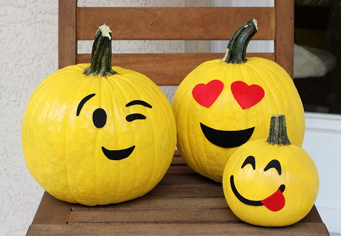No Carve Emoji Pumpkins to make for Halloween.