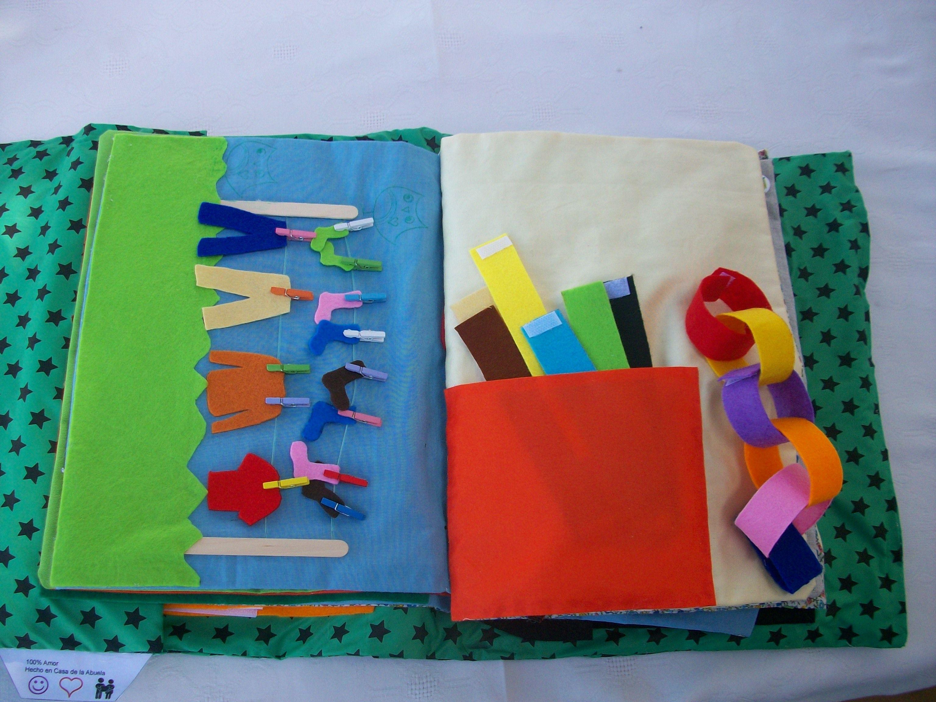 Libro de actividades quiet book trabajar motricidad for The idea door quiet book