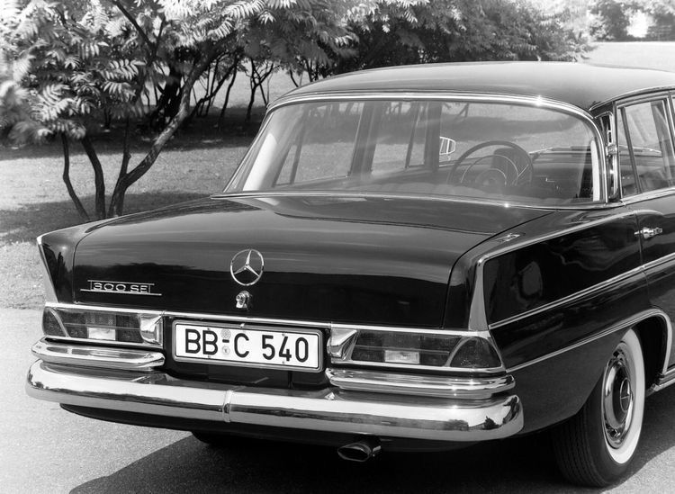mercedes benz the best or nothing w112 mercedes benz 300 se lang beauties i grew up with mercedesbenz mercedesbenzcl cool mercedes merce pinterest