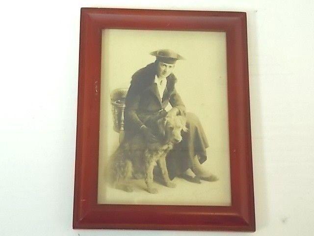 VINTAGE ANTIQUE COLLECTIBLE BLACK & WHITE PHOTO WOMAN W/ OTTER HOUND DOG ? 1915
