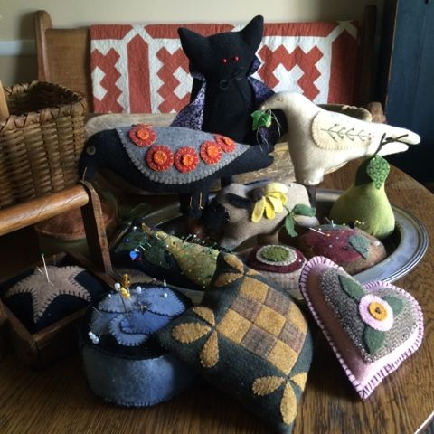 Betsy's Best .....quilts and more  --  wool pincushions --  (for ideas only, no patterns)