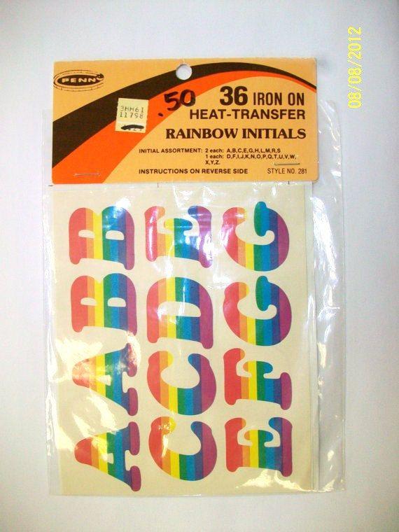 Arcobaleno d'epoca su lettere di ferro impostato di SHOPHULLABALOO, $6.99