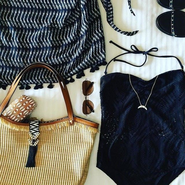 Time to get ready for summer ladies!!! Check out all the new amazing things at Stella & Dot!!  http://www.stelladot.com/shop/en_us/p/whats-new/new-arrivals/sunray-pendant-necklace?s=beverlyparkinson