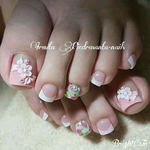 M E E N C A N T A Toes Pinterest Pedicures Toe Nail Art And