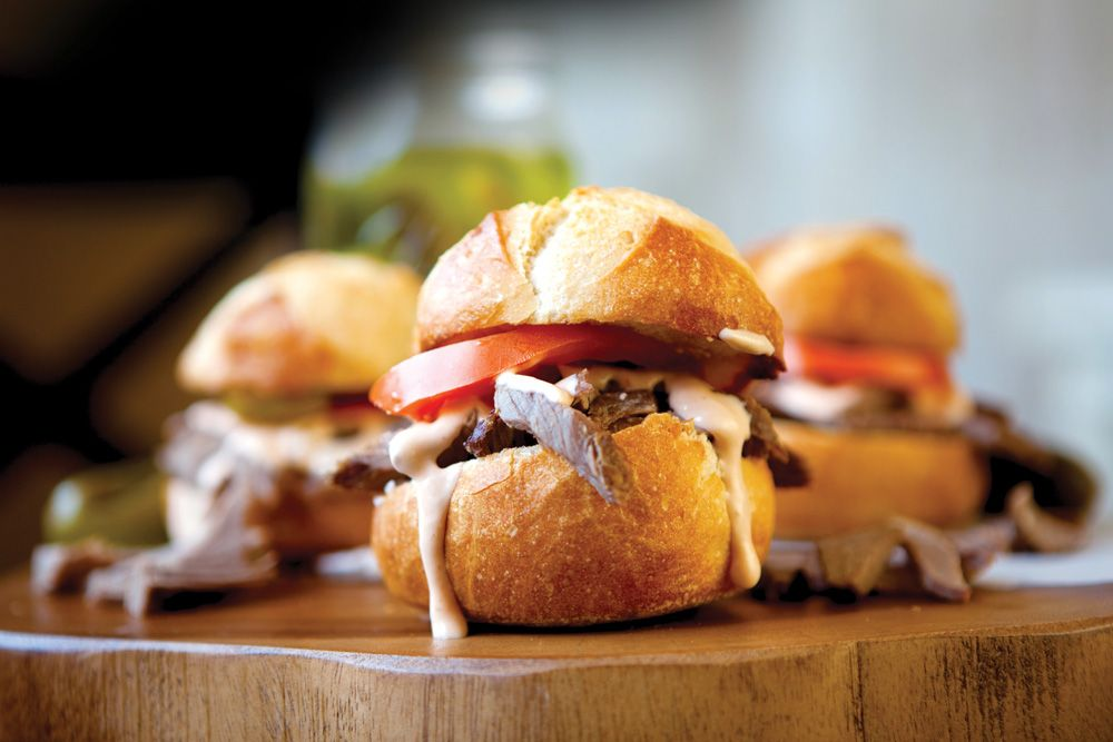 Best 25 Roast Beef Sliders Ideas On Pinterest Beef