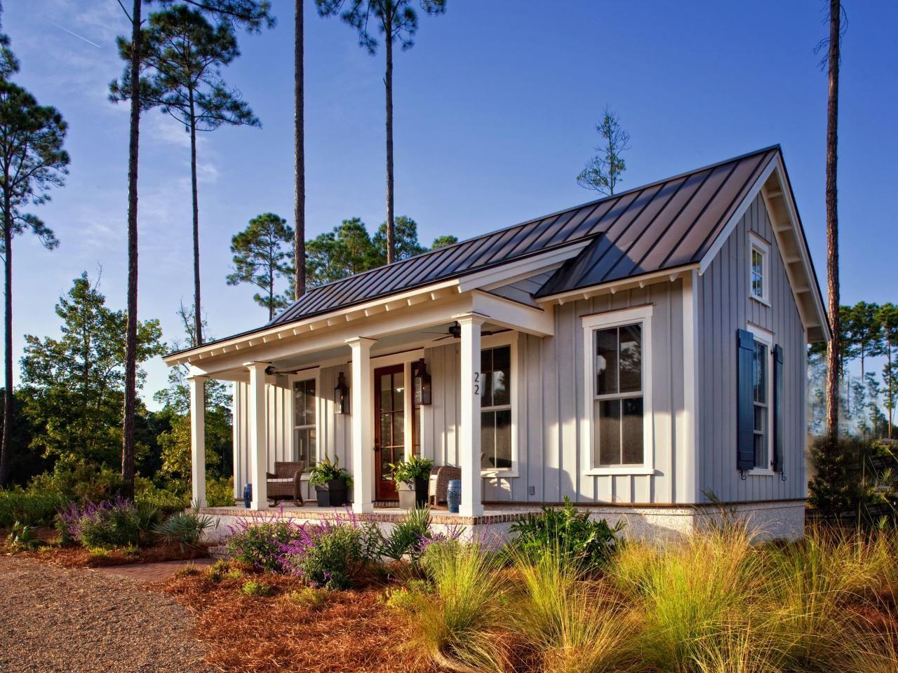 Cozy Farmhouse Cottage Maximizes Use Of Small Space Tiny