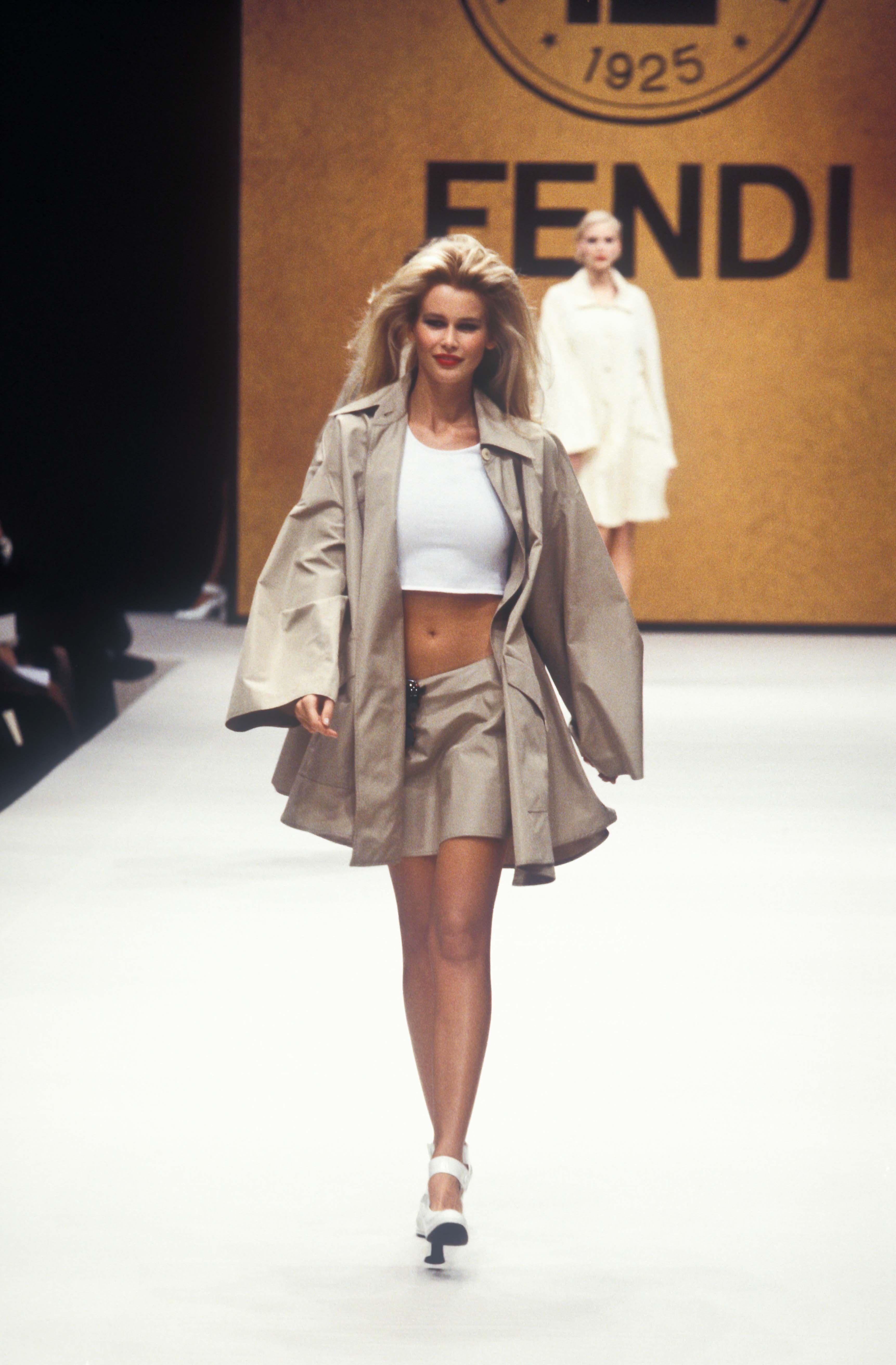 Claudia Schiffer Fendi Runway Show Rtw Spring Summer 1995 Claudia Schiffer Fendi Runway Show Rtw Sprin In 2020 Sweaters Women Fashion Fashion Runway Fashion Dresses