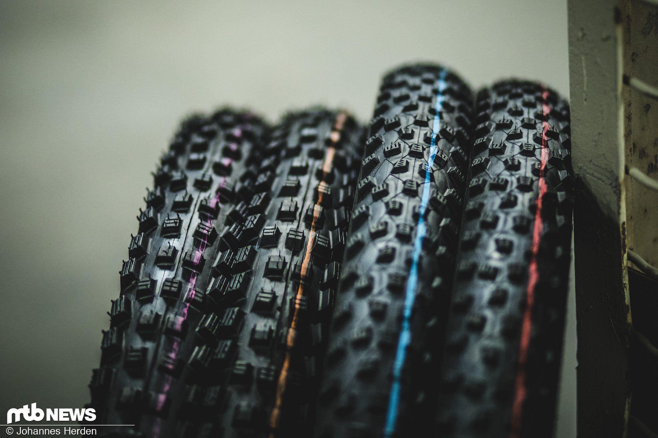 4 Compounds für ein Halleluja: Mit Addix präsentiert Schwalbe vier neue Gummimischungen, die die Performance der Reifen deutlich verbessern