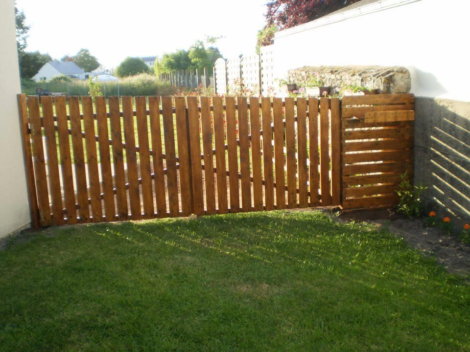 gartentor aus europaletten europalette pinterest indoor outdoor fences and gate. Black Bedroom Furniture Sets. Home Design Ideas