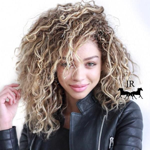 Hairstyles For Frizzy Hair Fascinating 35 Most Alluring Hairstyles For Frizzy Hair  Messy Curly Hairstyles