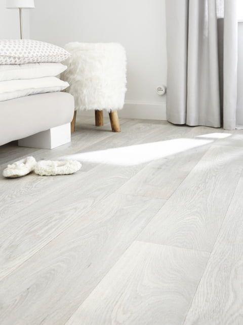Un Sol Vinyle Blanc Chez Leroy Merlin En 2020 Sol Vinyle Idee Carrelage Plancher Blanc