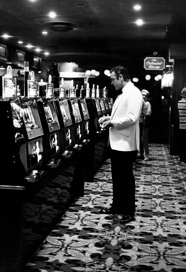 Front ok mills slot machine