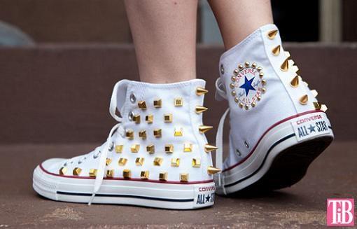 Resultado de imagen para zapatos con tachuelas converse