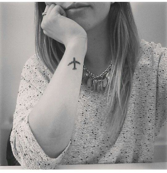 Tatuajes En Los Senos Sencillos