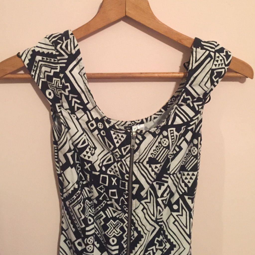 H&M Size 6 Aztec Zipper Dress