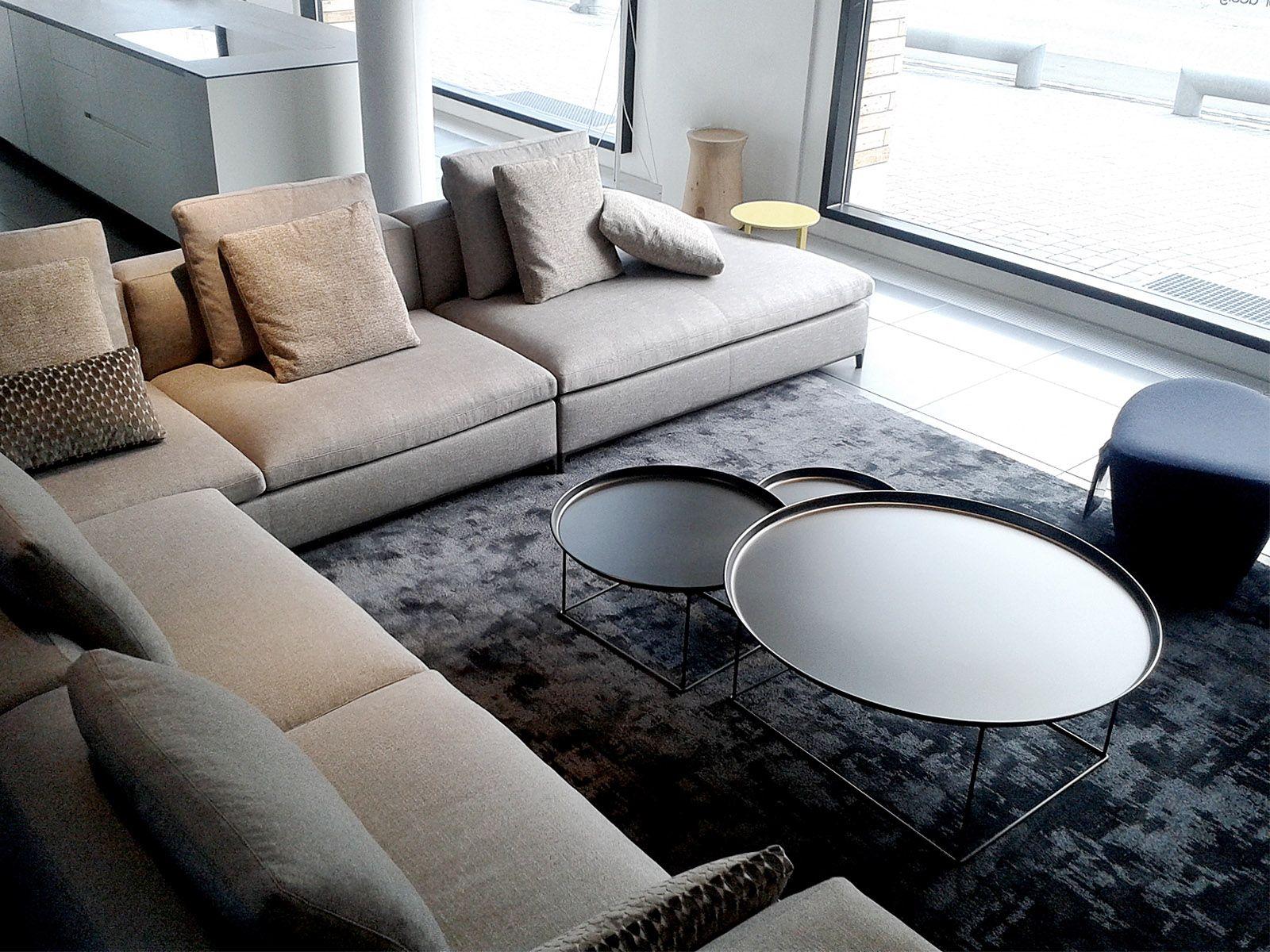 Ecco il nuovo divano michel club nel nostro show room for Showroom divani milano