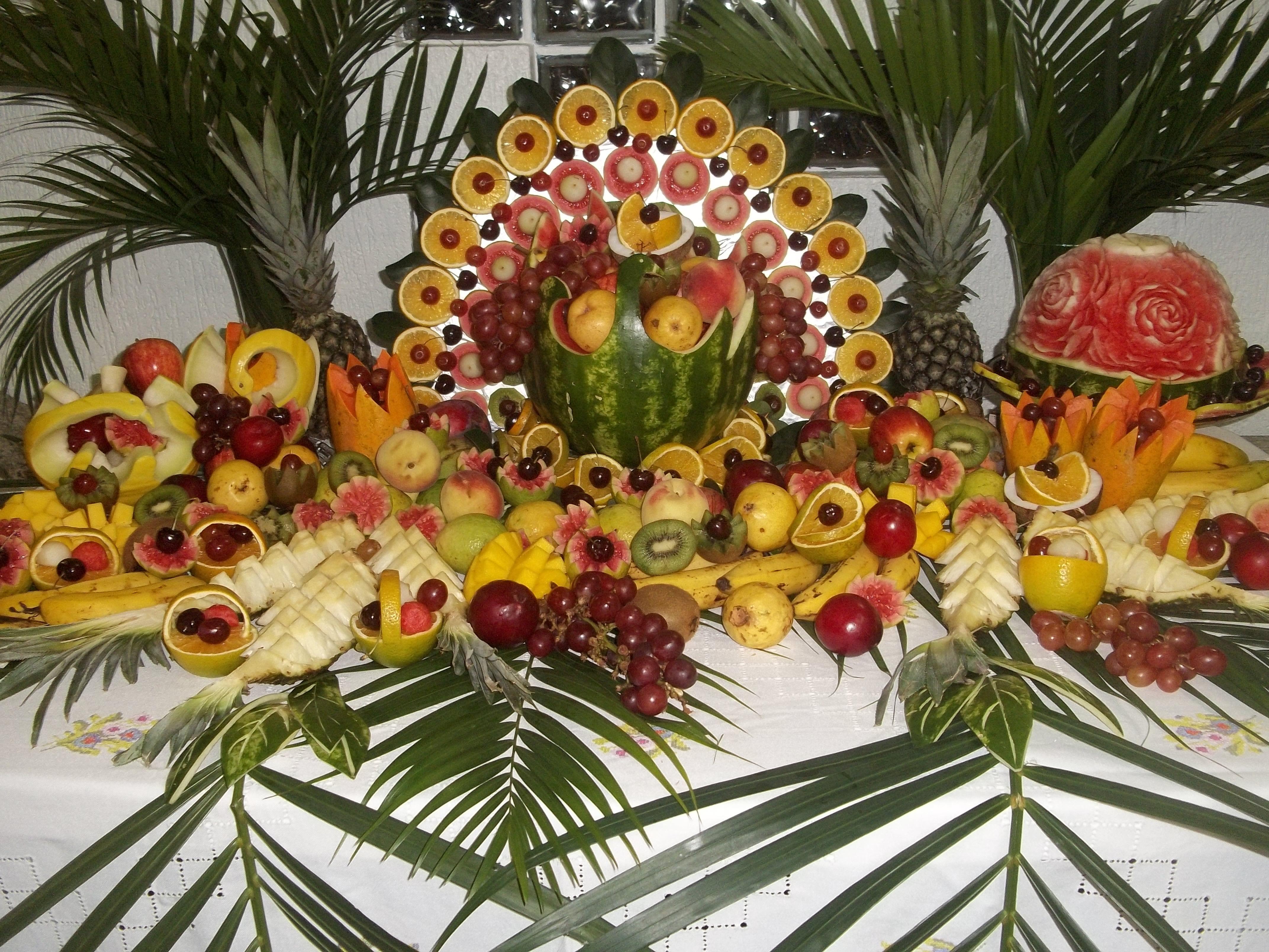 Decoraç u00e3o com frutas e legumes DECORA u00c7ÃO COM FRUTAS e LEGUMES em 2019 Decoraç u00e3o de frutas