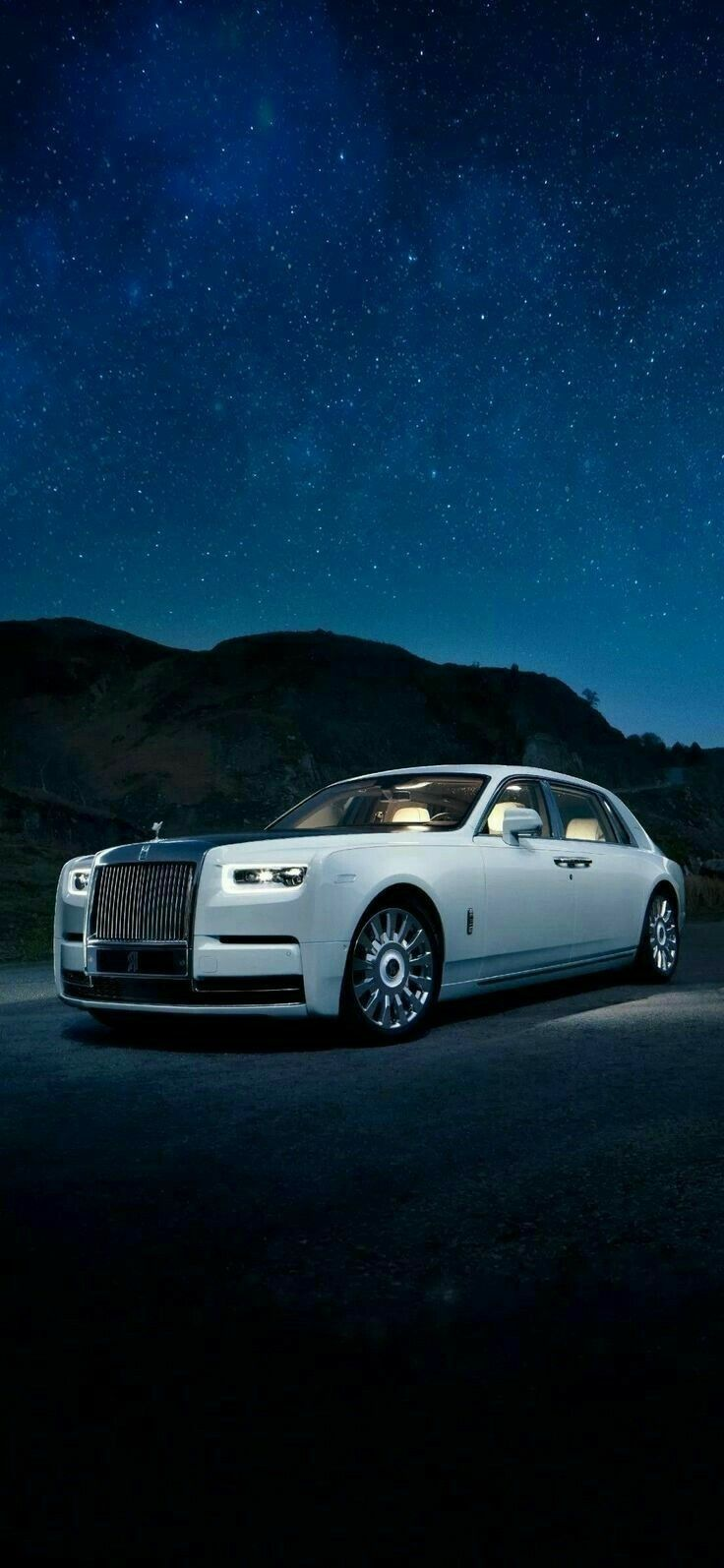 Bentley Luxury Car Hd Wallpaper Rolls Royce Rolls Royce Wallpaper Luxury Cars