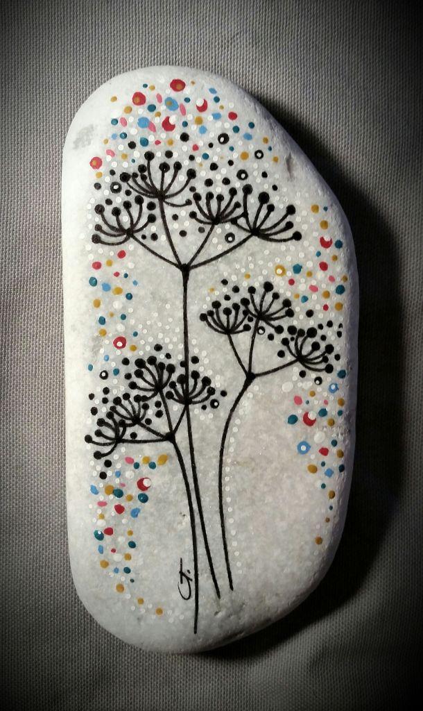 Decorato A Mano Con Stabilo Ohpen Universal Permanent Black Pilot Super Color White E Colori Acrilici Pebeo Rock Painting Art Stone Art Painted Rocks