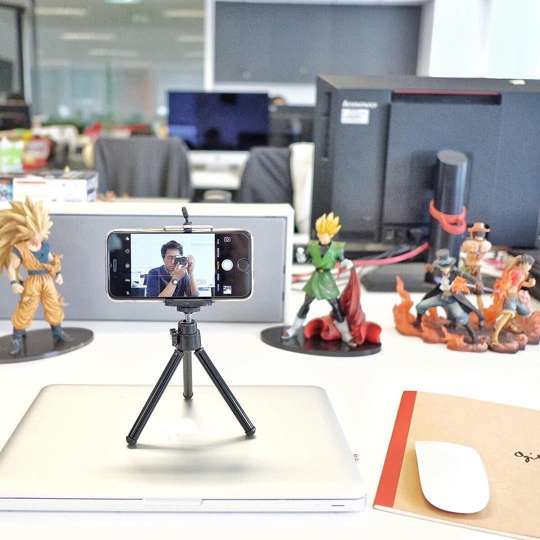 Meja kantor sekarang. 😂  AkuBaruBeli tripod kecil di Gadzila Store ... 639fbc12b9