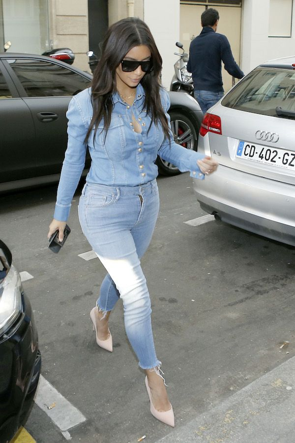 c8d4c93f Kim Kardashian and Serena Williams hit the streets to shop in Paris **USA  ONLY**