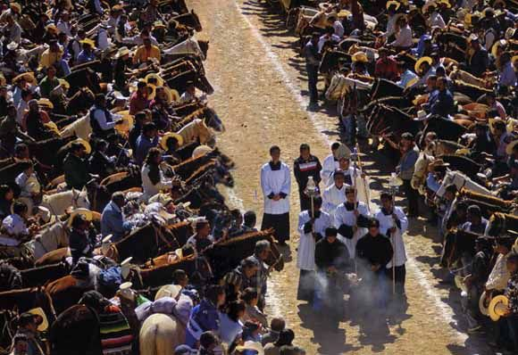 Cabalgata de Cristo Rey: 10 spiritual horeback ride in Mexico.
