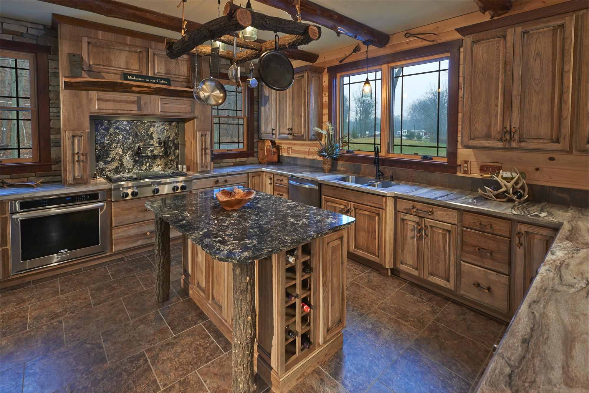 Cleaning Kitchen Cabinets (With images)   Kitchen cabinet ...