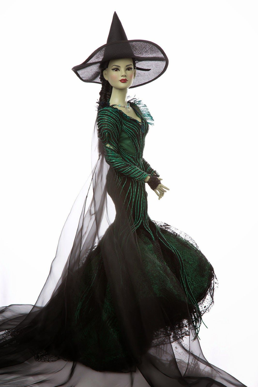 The Fashion Doll Chronicles: The Leading Ladies Of the Wizard Of Oz auction