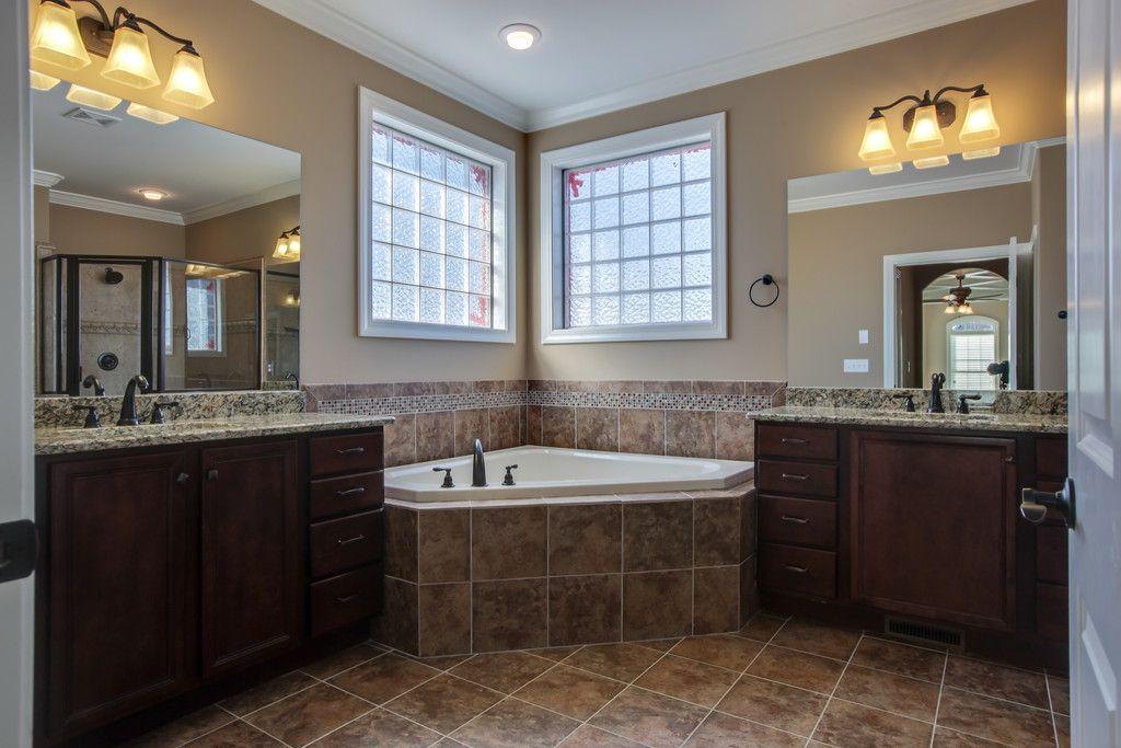 Large Corner Tub W Separate Vanities Tub Remodel Corner Tub Bathroom Layout