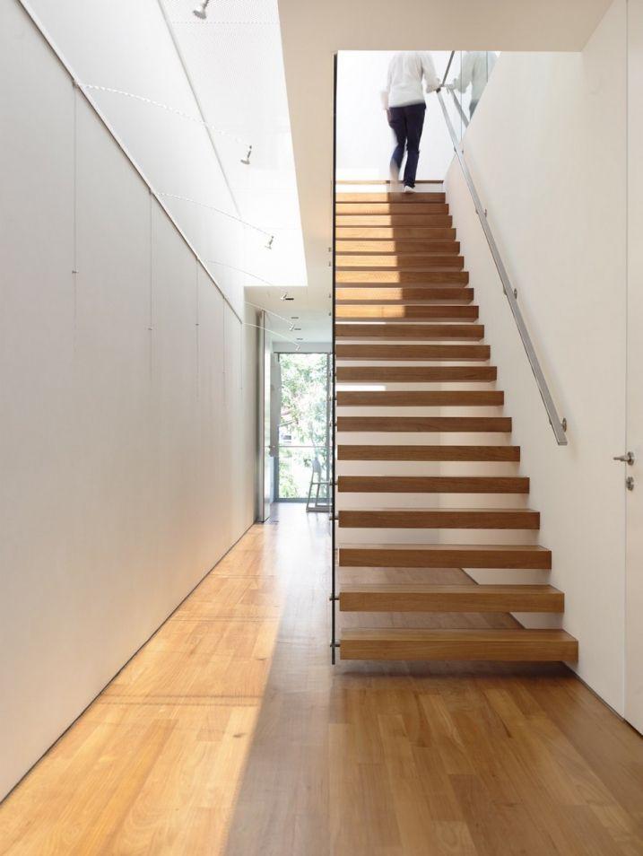 Maison Moderne Avec Une Magnifique Piscine Interieure Plans De