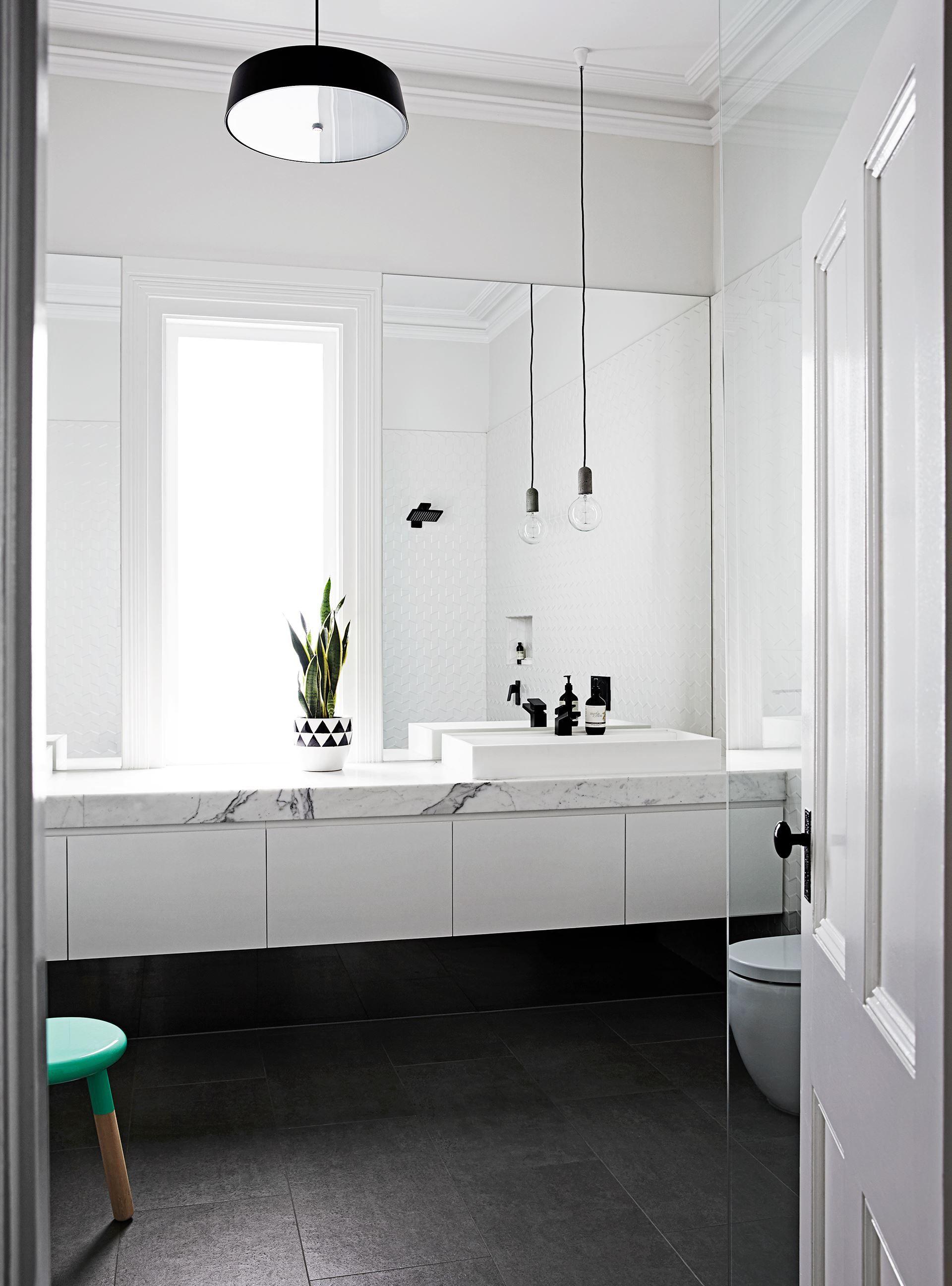 Homestory bathroom goals white elegant chic bathroom for Inspiration badgestaltung