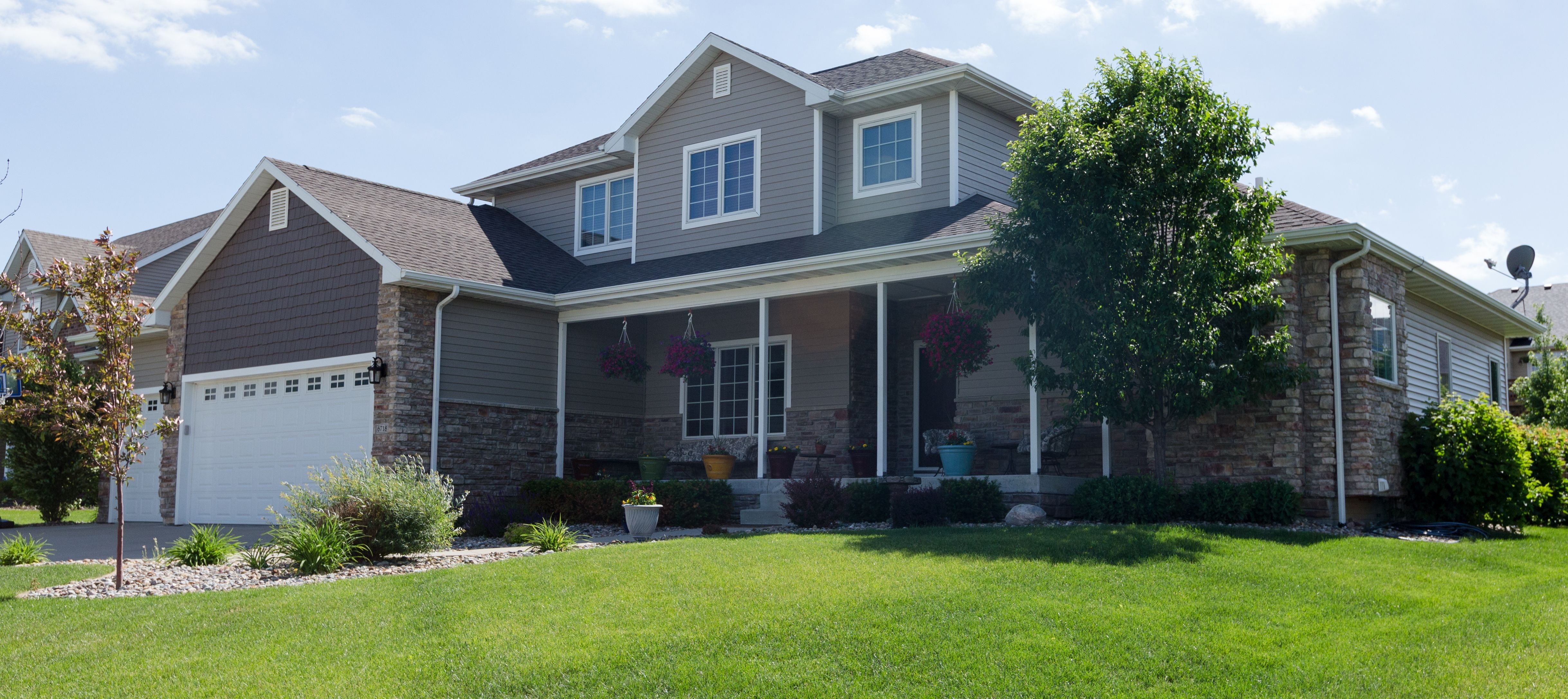 Everlast Advanced Composite Siding Project In Central Iowa House Styles Composite Siding Mansions