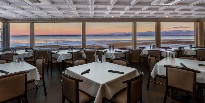 11 Amazing Restaurants Along The Michigan Coast You Must Try Before