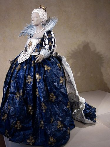 ℘ Paper Dress Prettiness ℘ art dress made of paper - Isabelle de Borchgrave